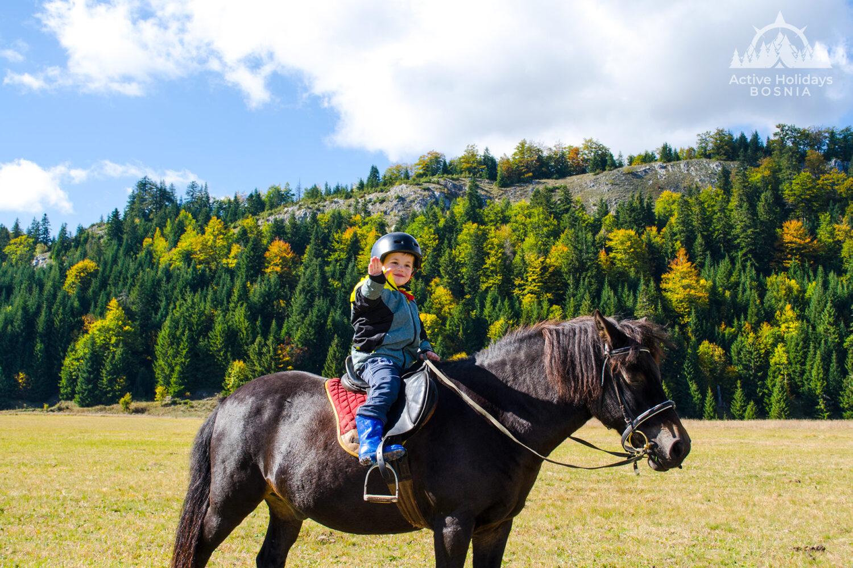 kid horseback riding zelengora