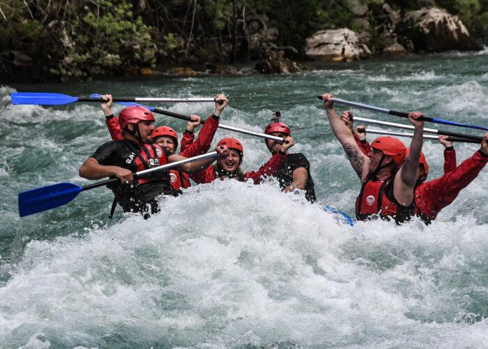 Tara-river-rafting-adrenaline