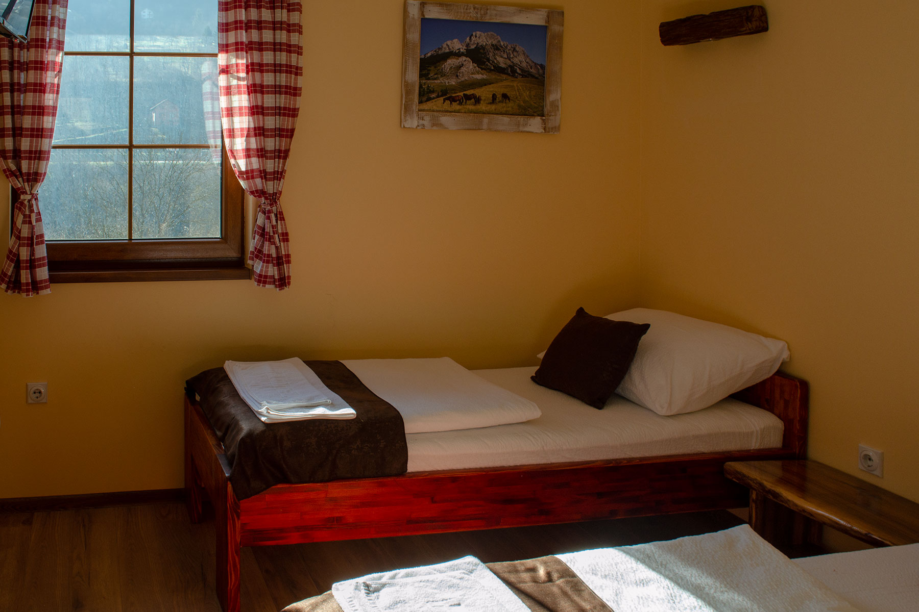 dvokrevetna soba hotel kompas foca